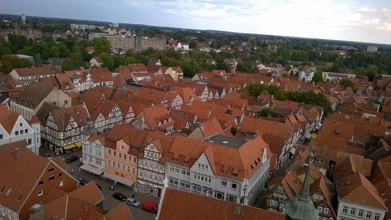 Сколько стоит коммуналка в германии продажа недвижимости в канаде